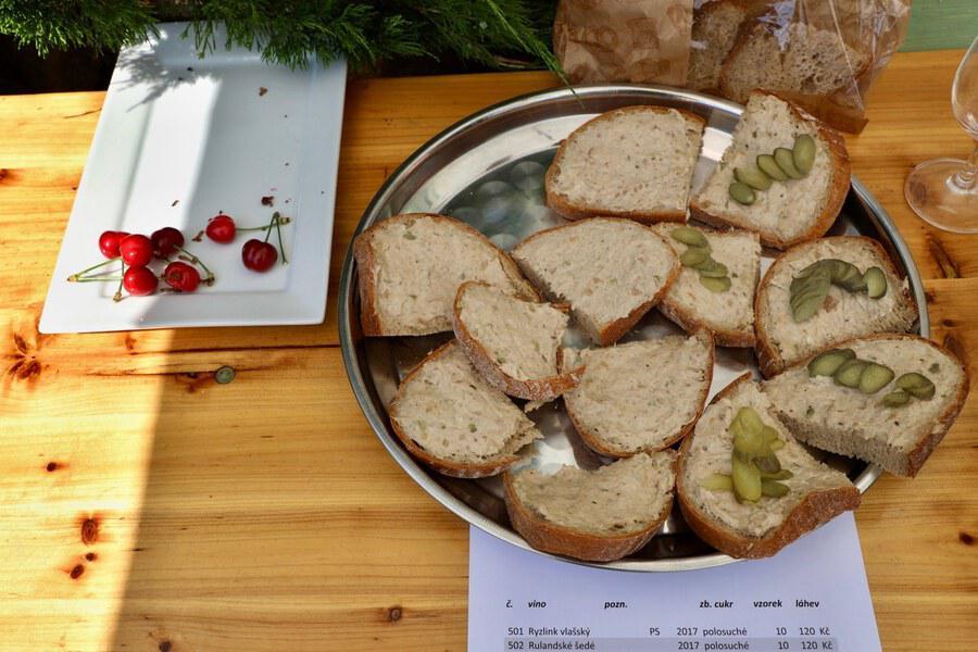 BJ-chleby-obcerstveni1_Ales_Duda